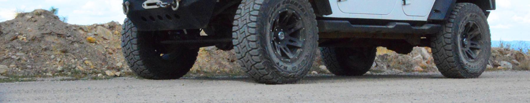 photo d'ouverture d'un pneu robuste sur et hors route