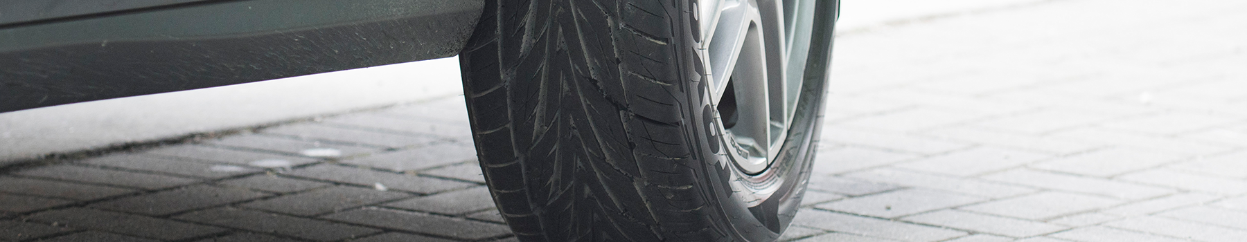 Proxes STIII  SUV and CUV performance all season tire - photo - action view