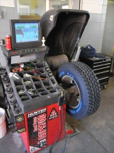 0810_4wdweb_02_z+toyo_open_country_tire_test+mount_balance (1).