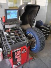 0810_4wdweb_02_z+toyo_open_country_tire_test+mount_balance (1)_0.