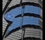 De larges blocs de bande de roulement en forme de u avec arêtes en dents de scie