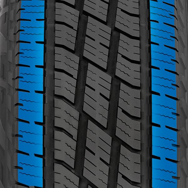 Le pneu de route pour camions légers toutes saisons de Toyo a des blocs extérieurs imbriqués