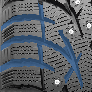 G3-Ice studable winter tire's wide evacuation grooves